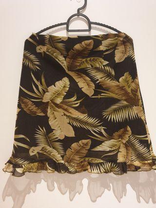 🚚 Leaf pattern skirt