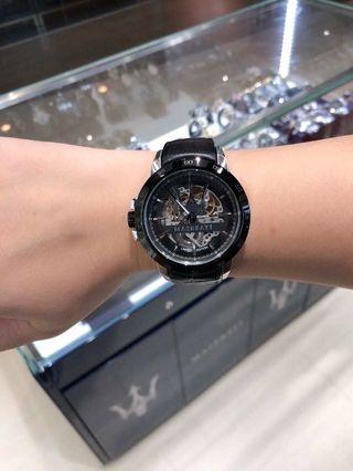 ♥️ ⚠️亞洲限量版👍限量188只,限時特價$3090💥🏎🇮🇹瑪莎拉蒂Maserati.每隻手錶底盤都刻有獨立限量編號 45mm帥氣十足自動械男錶 100米防水 黑鋼色鏤空錶盤 黑色真皮錶帶 全球聯保兩年 專櫃價$4880