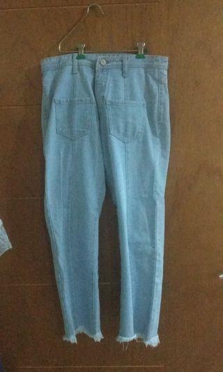 Jeans boyfriend kantong depan
