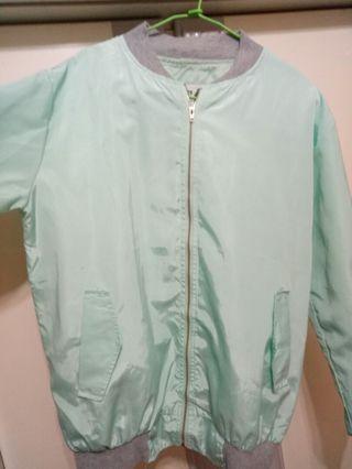 貝思奇Tiffany 綠防風外套