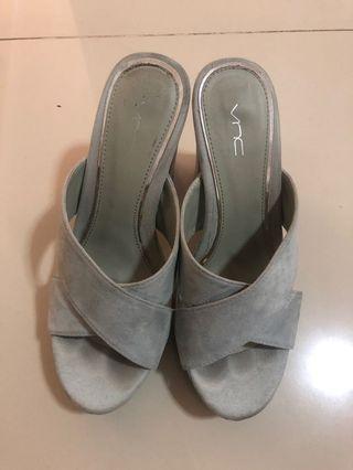 VNC pale blue block heels size 37