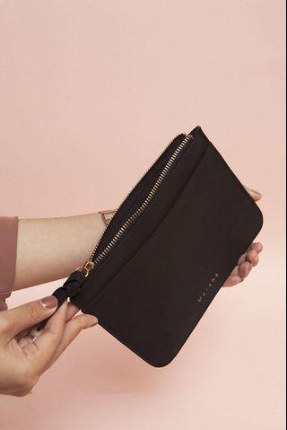 Square Wallet Black Merche