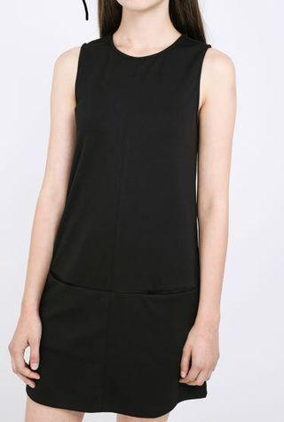 RWB Hatten dress in black