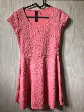 Pink baby doll dress #JuneToGo