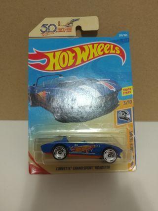 [暑假減價優惠]全新風火輪50週年藍色雪佛蘭開蓬車 blue color hotwheels 50th corvette grand sport roadster