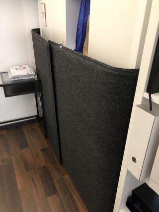 Nice almost new partitions / room divider screen