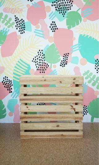 🚚 Wooden Pallet Booth Table