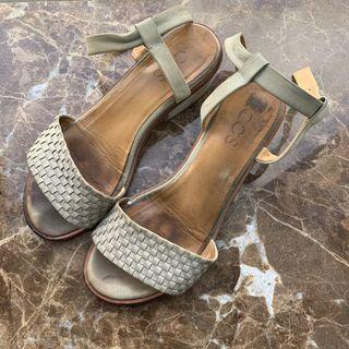 Cos sandal