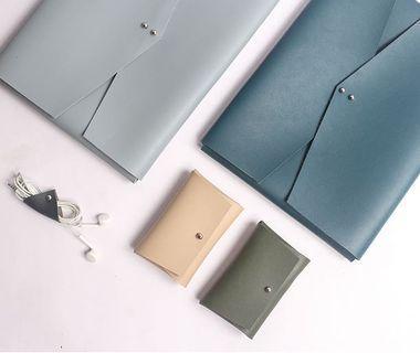 Enveloped Laptop sleeve