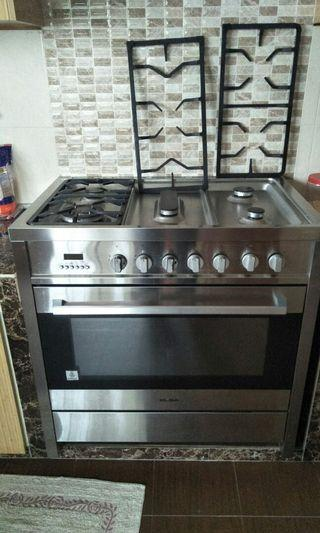 5 burner stove with oven