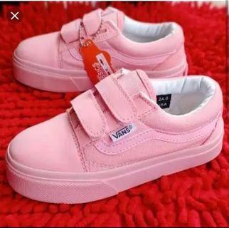 Sepatu anak Cewek vans