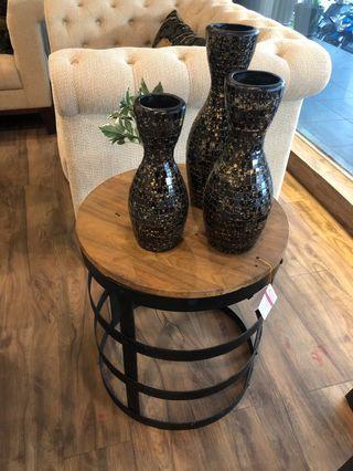 Round side table / meja kayu samping