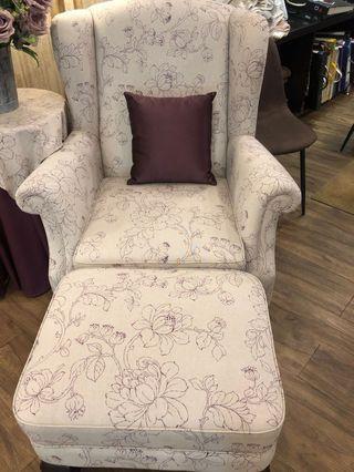 Puff Kayu Ungu - wild purple ottoman chair
