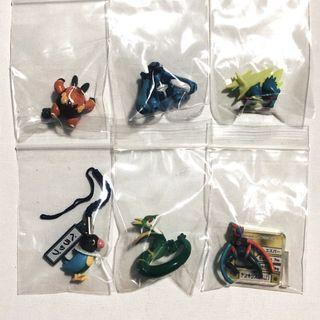 """Rare Assorted Pokémon 1"""" Trading Figures"""