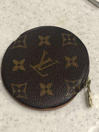 LV coins bag