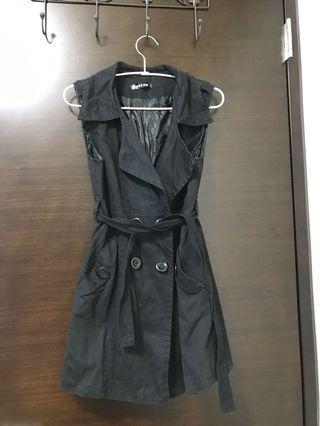 黑色背心洋裝外套