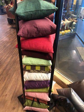 Cushions - Bantalan