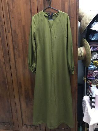 Tailor-made Jubah in Khaki Green