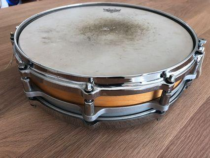 Pearl Free floating Snare 14x3.5 inch Maple Shell
