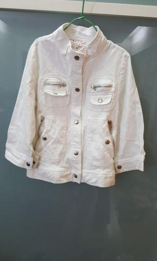 白色多口袋韓版上衣