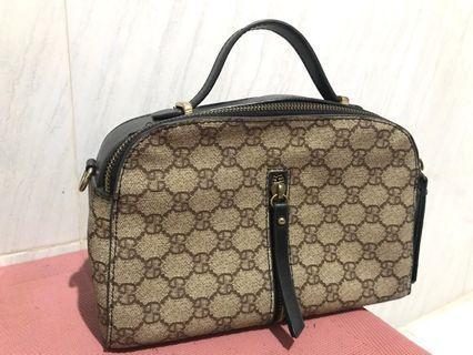 Gucci premium hand bag