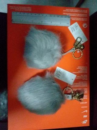 🚚 Furry keychain
