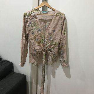 Get Frocked women's floral tie waist top size M