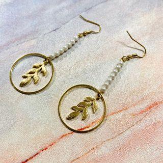 B002 珍珠樹葉耳環