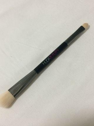 Huda beauty Concealer Brush