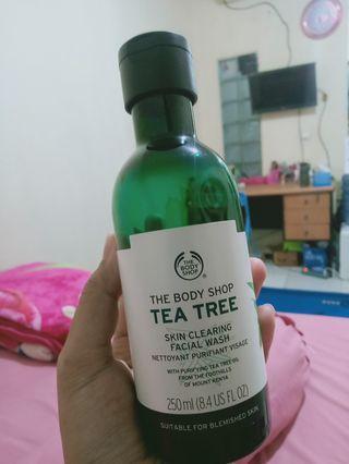 Facial wash tea tree