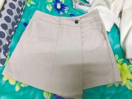平放全新系列‼️杏色牛仔短褲