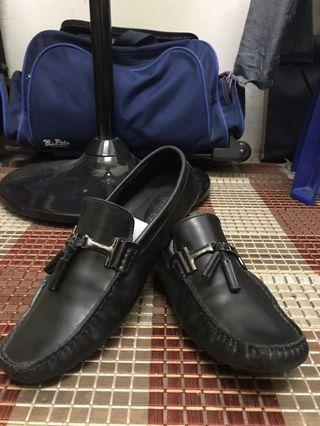 Tomaz Leather Shoes original used twice only !