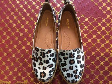Flat Shoes romani