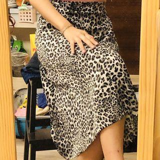 🚚 黑白豹紋鉛筆裙