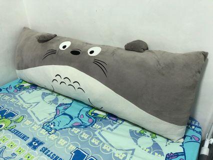 龍貓 攬枕 床欄