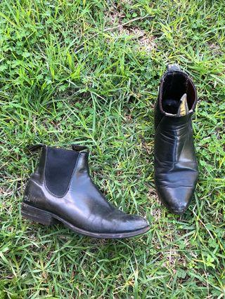 RM Williams boots 6.5