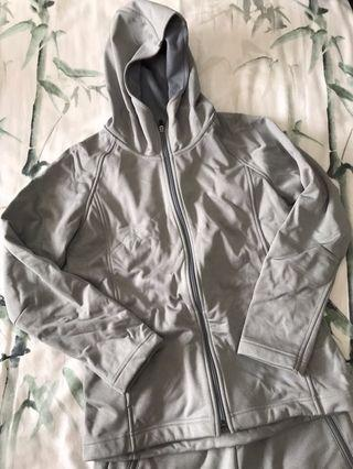 uniqlo warm jacket with fleece lining