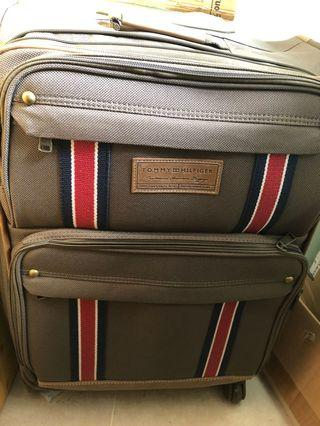 Tommy Suitcase Luggage 行李箱