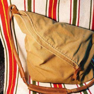 🍎古著真皮包包🍎真皮斜背包 肩背袋古著軍用袋隨性風 大容量皮革肩背袋