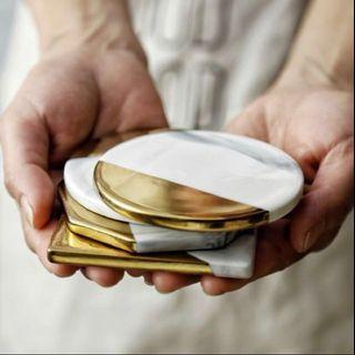 🚚 Marble coasters white and gold