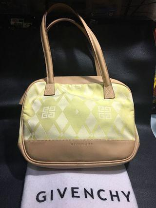 Women bag Givenchy auth