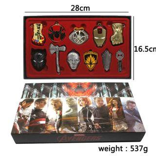 Marvel Avengers Infinity War/Endgame Collectable Box Set with 11 Avengers Collectable Keychains