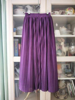 Purple pleated skirt satin like material new sz small XS or S or Sz 0 to 2