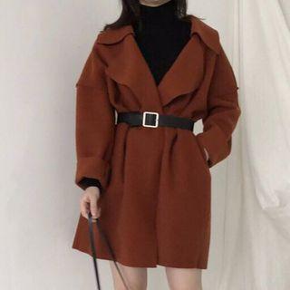 磚紅色大衣
