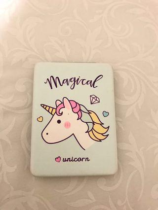 Cermin lipat Unicorn