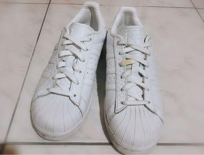 🚚 愛迪達貝殼鞋