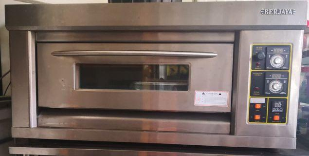Electric and gas oven. (conventional)