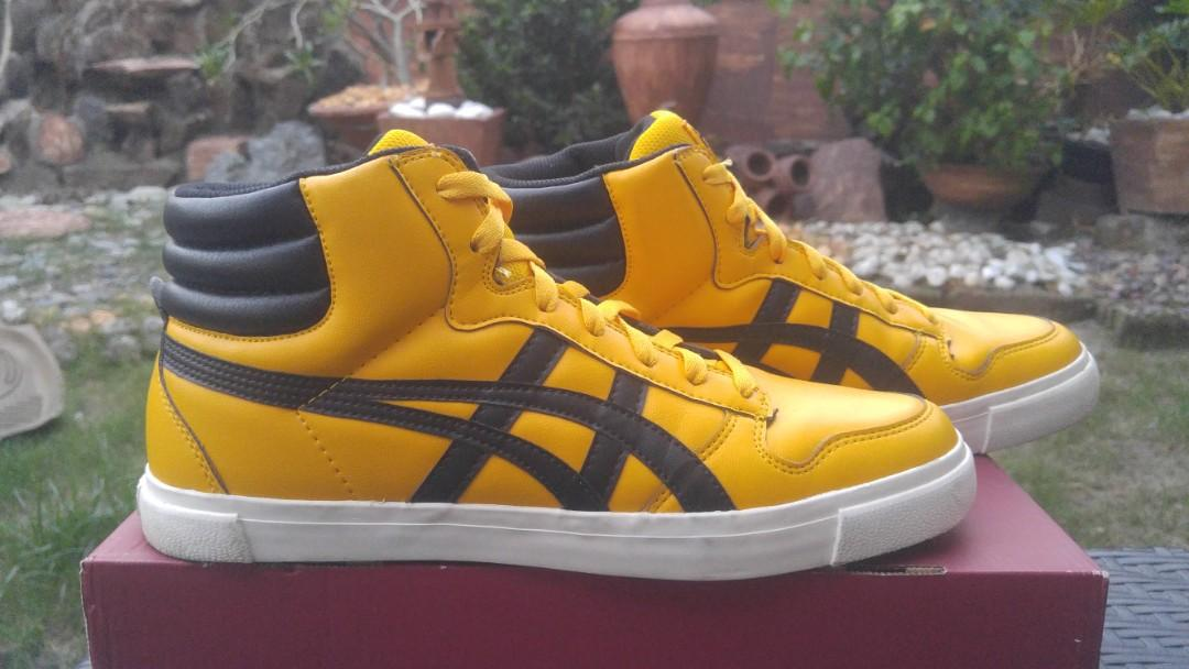 on sale fc1da 27241 Asics A-sist size 9 Bruce Lee colorway on Carousell