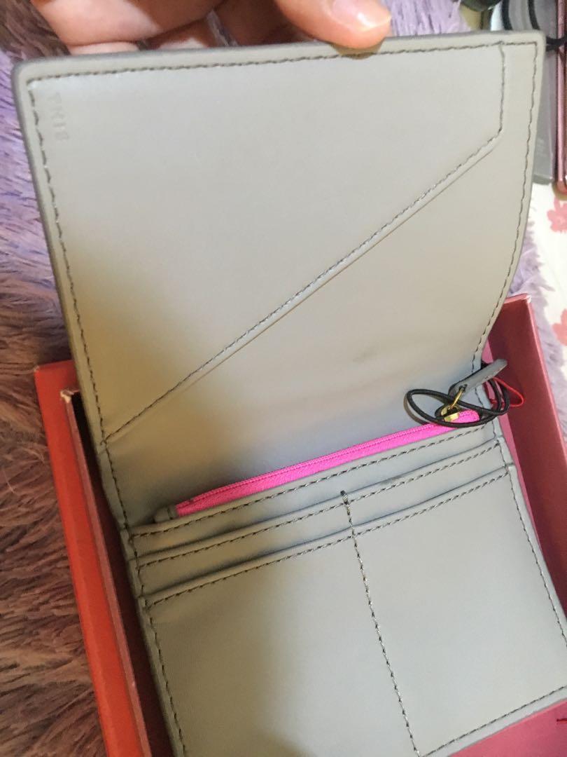 Fossil Case Pasport include Box. New. Freong jabodetabek. Original