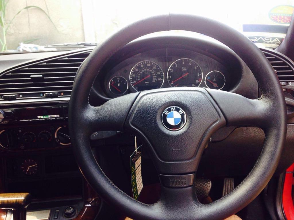 Mobil BMW 320I Tahun 1996/1997 Warna Merah